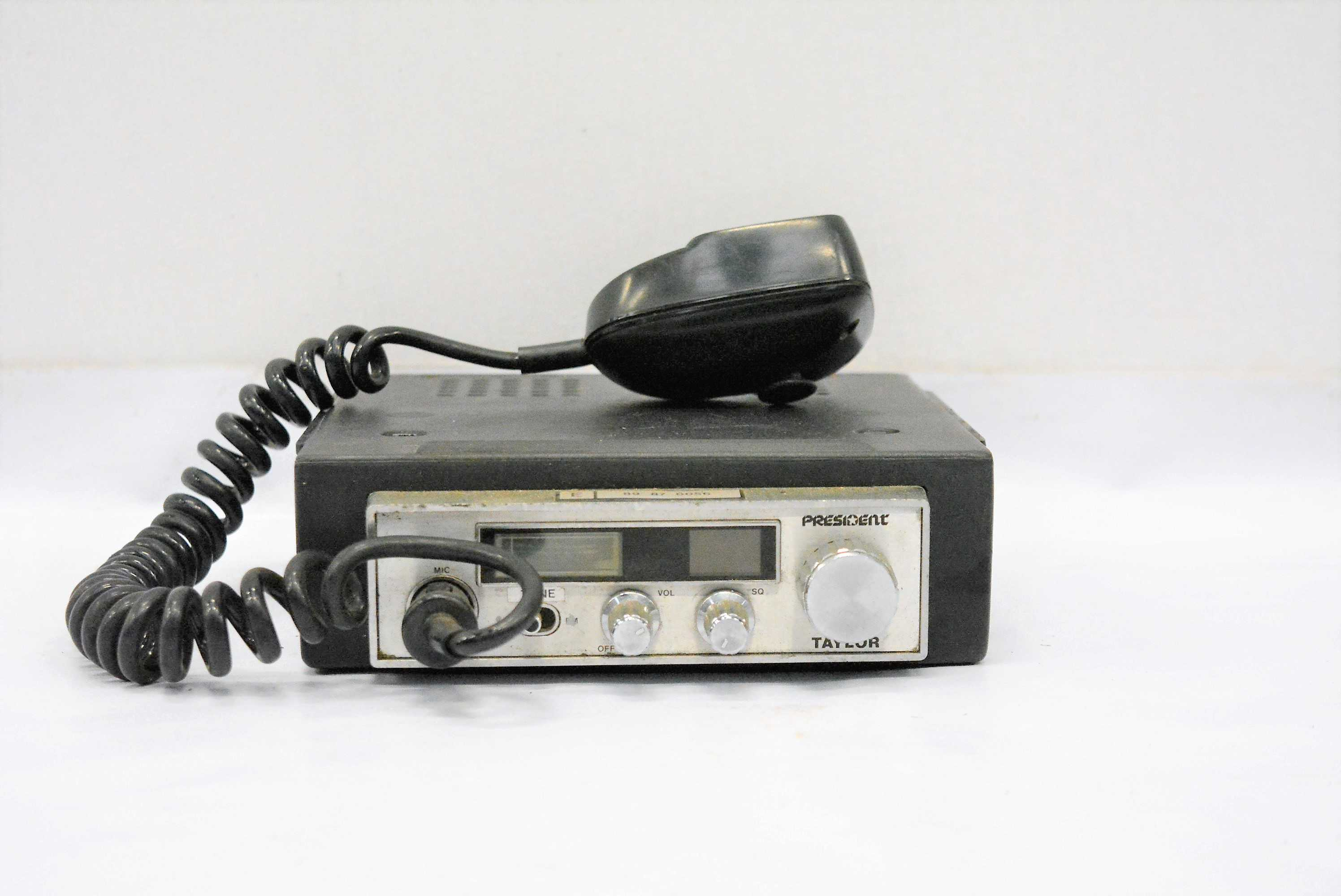 EMISORA DE RADIO MEDIANA